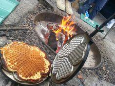 Petrus og Petrine, - en mammablogg: Å spise ute Waffle Iron, Waffles, Kitchen Appliances, Breakfast, Food, Cooking Utensils, Breakfast Cafe, Home Appliances, House Appliances