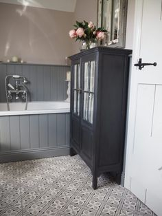 The Bathroom Makeover - Getting Stuff Done In Heels