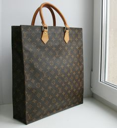LOUIS VUITTON -  ПРОДАНО