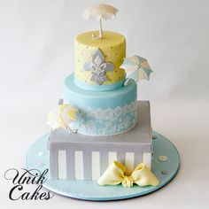Baby-shower-cake-with-umbrellas