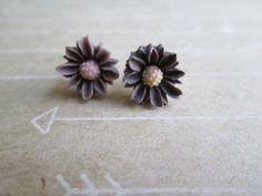 Cutie Flower Stud Earrings  Brown Daisies  Gold by violetandblue, $6.00