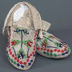 Early 20th century Plains Moccasins