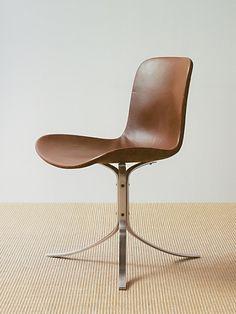 Danish design classic - Chair by Poul Kjaerholm Danish Furniture, Design Furniture, Chair Design, Vintage Furniture, Modern Furniture, Home Furniture, Lounge Furniture, Chaise Chair, Cuisines Design