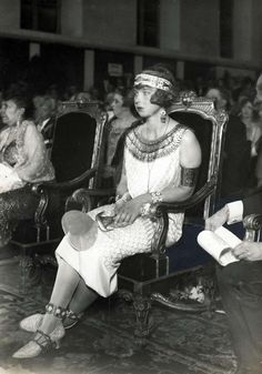 """kittyinva: """" carolathhabsburg: """" Pss Maria Jose of Belgium (later Queen of Italy) in Egyptian costume. 1920s. """" After the uncovering of the tomb of Tut in 1922, fashion went bonkers for """"Egyptian""""..."""