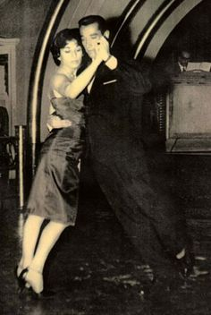 Orlando Paiva was born December 1, 1935 in Rosario, where as a young man he fell in love with the dance of Argentine tango.     He was known to the tango community around the world as one of the most elegant, distinctive and respected Argentine tango dancers and teachers.