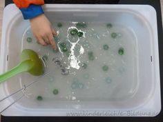 Frühe Bildung? Kinderleicht!: Fühlwanne: Kleister mit Muggelsteinen