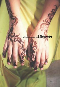 Lovely floral bold henna