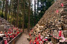 Estatuas tradicionales de Jizo, foto de Christian Kober (Alamy)    Ver mas fotos de Patrimonio de la Humanidad en fotosmundo.net