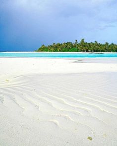 The Maldives Islands - Cheval Blanc Randheli Beaches In The World, Places Around The World, Around The Worlds, Places To Travel, Places To Visit, Beach Pink, Foto Top, Paradise On Earth, Tropical Beaches
