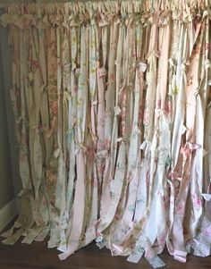 Cool & Unique shabby chic Shower Curtain Ideas for Small Bathroom Shabby Chic Shower Curtain, Vintage Shower Curtains, Shabby Chic Curtains, Shabby Chic Bedrooms, Shabby Chic Homes, Shabby Chic Decor, Bathroom Curtains, Shabby Chic Garland, Gypsy Decor