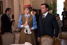 Doctor Ogden (Hélène Joy) and Detective Murdoch (Yannick Bisson) look at the crime scene.