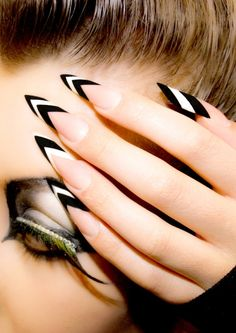 Monochrome modern edge style nails by penelope
