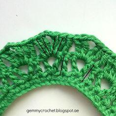 Free Pattern: Cozy Bib Crochet Necklace Crochet Jewelry Patterns, Diy Accessories, Free Pattern, Crochet Necklace, Cozy, Blog, Crafts, Beauty, Slip On