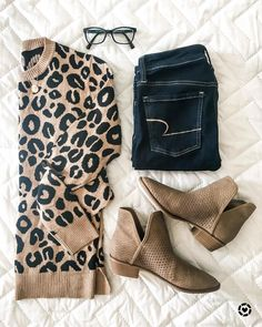 Fall sale items // leopard // leopard sweater // sweater // Fall outfit // Fall outfit ideas // outfit ideas // Fall style // booties // Fall shoes // Fall look // Fall boots Leopard Sweater, Fall Booties, Fall Shoes, Fall Winter Outfits, Autumn Winter Fashion, Cute Fashion, Fashion Outfits, Fashion Trends, Inspired Outfits