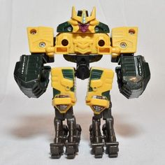 nsecticon Transformer 2004 Energon Energon Class Missing front pair of legs and pincher Good for parts or modification