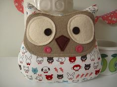Meet Hudson, A rather curious looking Owl.  Handmade from various shades of felt, and Japanese fabric Measures 17cm x 15cm      He would look lovely as