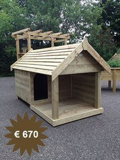 Have a look at this incredible %%KEYWORD%% - what an artistic theme Pallet Dog House, Dog House Plans, Custom Dog Houses, Cool Dog Houses, Niche En Palette, Chicken Coop Sand, Grande Niche, Large Dog House, Wood Dog