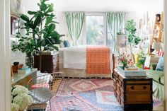 Decorating your home can be a challenge, no matter how much space you have — but it's especially the case when you're trying fit all your favorite items into a studio apartment. Nyc Studio Apartments, Bohemian Studio Apartment, Bedroom Nook, Bedroom Ideas, Ikea Desk, Multifunctional Furniture, Bentwood Chairs, Ikea Frames, Studio Apartments