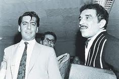 García Márquez, right, and Peruvian author Mario Vargas Llosa, in a photo probably taken in the before they famously feuded. Gabriel Garcia Marquez, Mary Mccarthy, Mario Varga Llosa, Mario Vargas, Hundred Years Of Solitude, Creepy Vintage, Nobel Prize In Literature, Story Writer, Magic Realism