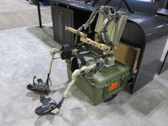 http://www.defensereview.com/wp-content/uploads/2012/09/Berkeley_Bionics_Lockheed_Martin_HULC_Human_Universal_Load_Carrier_Anthropomorphic_E...