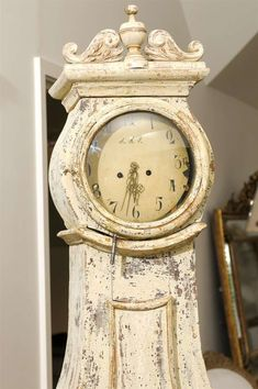 Century Swedish Longcase Painted and Carved Mora Clock with Carved Crest For Sale Clock Art, Diy Clock, Primitive Furniture, Funky Furniture, Country Decor, Farmhouse Decor, Skeleton Clock, Decoration Shabby, Asian Quilts