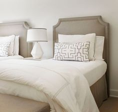 30 French Country Bedroom Design and Decor Ideas for a Unique and Relaxing Space - The Trending House Taupe Bedroom, Home Bedroom, Bedroom Decor, Headboard Designs, Bedroom Designs, Transitional Bedroom, Suites, Guest Bedrooms, Guest Room