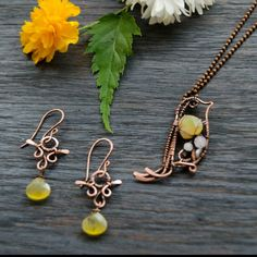 Now yellow birdy have a pretty earrings to set. You can buy jewelry set or bird necklace only.