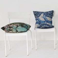 Cushions in Delft Blue, printed on pure linen. From Babylonstoren, South Africa. Delft, Botanical Prints, South Africa, Dining Chairs, Cushions, Pure Products, Printed, Pattern, Blue
