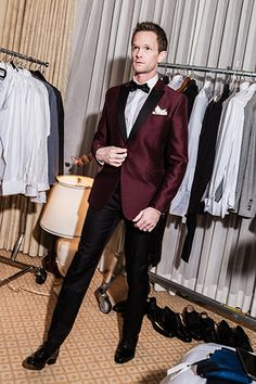 Neil Patrick Harris' burgundy Valentino Dinner Jacket looked amazing at the Oscar's | GQ