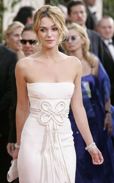 Valentino-I love the waistline detail on this dress. Keira Knightley in Valentino. ZsaZsa Bellagio