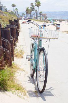 manhattan beach bike path along the beach!