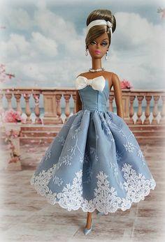 Wedgwood blue | Flickr - Photo Sharing! Dress Barbie, Barbie Gowns, Dress Up Dolls, Vintage Barbie Kleidung, Vintage Barbie Clothes, Doll Clothes, Beautiful Barbie Dolls, Barbie Patterns, Barbie Friends