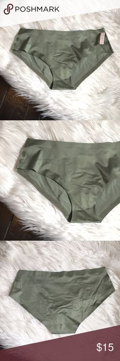 💠 VS No Show Hip Hugger Pantie New, Wear anything you like without having to worry about your pantie lines showing through your favorite dress , skinny jeans or leggings. Seamless, low rise, hip hugging, and truly comfortable to wear. Victoria's Secret Intimates & Sleepwear Panties