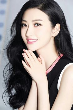 Girls with or are open for everyone who chases their beauty. Pretty Asian, Beautiful Asian Women, Beautiful Celebrities, Really Pretty Girl, Pretty Face, Pretty Girls, Jing Tian, Non Blondes, Chinese Actress