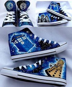 Funny pictures about Doctor Converse. Oh, and cool pics about Doctor Converse. Also, Doctor Converse photos. Doctor Who Converse, Doctor Who Shoes, Dr Who, Cooler Look, Things To Buy, Stuff To Buy, Geek Things, Guy Stuff, Nerd Stuff