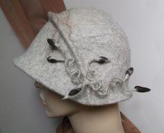 Hüte - Filzhut Cloche handgefilzt - ein Designerstück von SweetDecor bei DaWanda