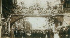 King George, Coronation Bridge, from Warner's shop to the opposite side of High Street, June 1911.