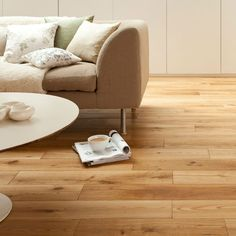 Giving your home a vintage makeover - Fit solid wood floors Natural Flooring, Solid Wood Flooring, Oak Flooring, Vintage Chic, Installing Hardwood Floors, Flooring Store, Wood Look Tile, Houses, Home