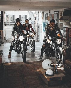 See more great motorcycle content at. Garage Bike, Motorcycle Garage, Motorcycle Style, Biker Style, Motorcycle Shop, Garage Art, Bmw Motorcycles, Vintage Motorcycles, Classic Bikes