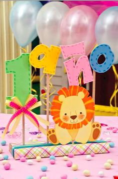 Primer cumpleaños first birthday … Jungle Party, Safari Party, Baby Party, Circus Party, Baby Birthday, First Birthday Parties, First Birthdays, Festa Party, Party Centerpieces