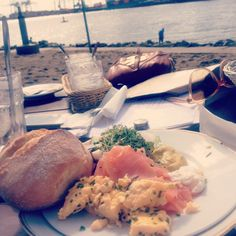 Starting the day with a beautiful view and the best #breakfast in town #Strandperle #Hamburg harbour
