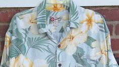 Hilo Hattie XL Hawaiian Shirt Yellow Hibiscus Fronds Leaves #HiloHattie #ButtonFront