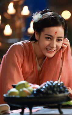 Dilraba Dilmurat 迪丽热巴 Di Li Re Ba Beautiful Girl Image, Beautiful Asian Girls, Portrait Photo, Female Portrait, Eternal Love Drama, Chines Drama, Girl Celebrities, Peach Blossoms, Bishounen
