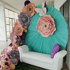 Inspiring Ideas, Molds and Models Wedding Stage Design, Wedding Stage Decorations, Backdrop Decorations, Balloon Decorations, Birthday Party Decorations, Flower Decorations, Backdrops, Giant Paper Flowers, Paper Roses