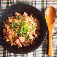 味付けは大葉にんにく醤油のみで。うまいっ - 33件のもぐもぐ - たこと大葉の焼き飯 by wakano