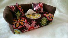 Wesega / Hnedý s kvietkami-dekoračný obal na papierové vreckovky