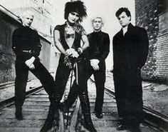Image uploaded by Larmes de ℛouille. Find images and videos about punk, siouxsie sioux and siouxsie and the banshees on We Heart It - the app to get lost in what you love. Siouxsie Sioux, Siouxsie And The Banshees, New Wave, 80s Goth, Punk Goth, Nu Metal, Alice In Chains, Lollapalooza, Linkin Park
