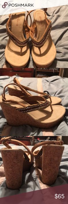 Skein wedge sandals In like new condition!!!worn a few times!!! Beautiful sandals Skemo Shoes Wedges