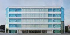 Christ & Gantenbein designs Roche office to be highly flexible.