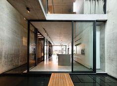 HYLA Architects , Derek Swalwell · Belimbing Avenue